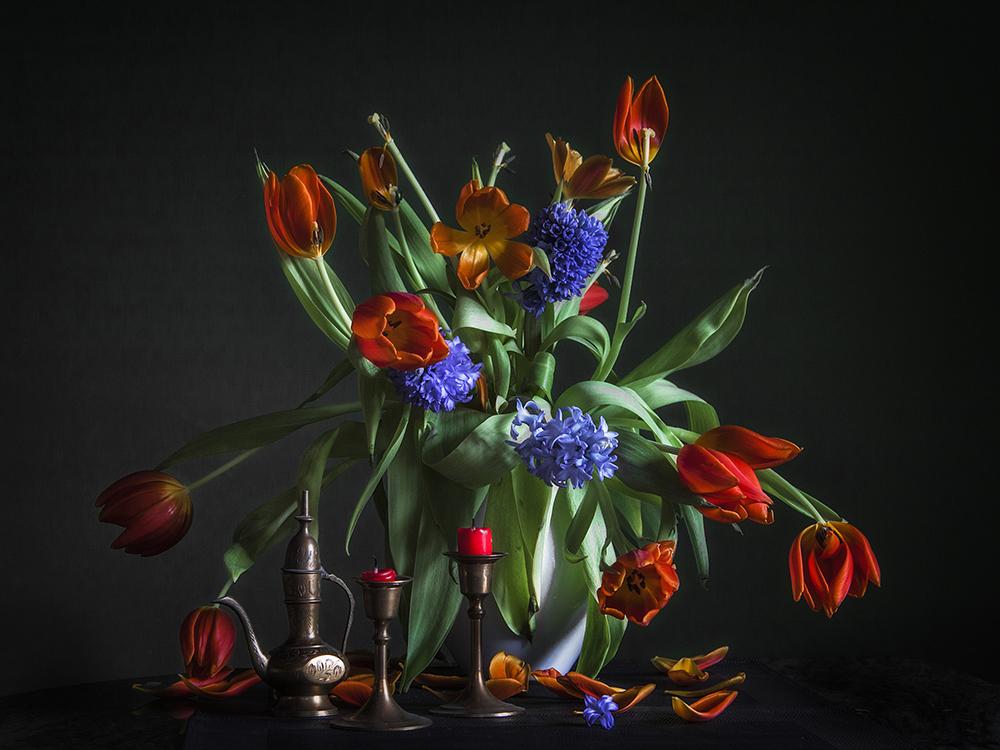 Evelyn-Zacharias-Stillleben-Tulpen